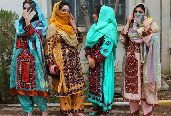 Le costume traditionnel iranien